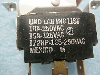 Lot of UND LAB Lighted Toggle Switches 5 No B /< New Old Stock Qty No Mode