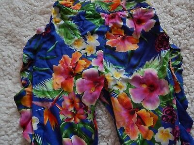 BNWT Girls Floral Trousers In Size 5 Years 2
