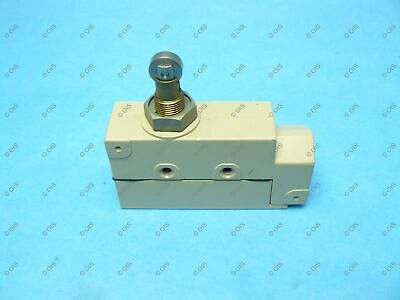 Omron ZE-Q22-2S Limit Switch Side Mount Top Roller Plunger 15 Amp SPDT 3