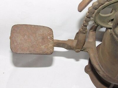 11D14 ANCIENNE POMPE à PIED POUR REMPLISSAGE DES BOUTEILLES SIPHON EAU DE SELTZ
