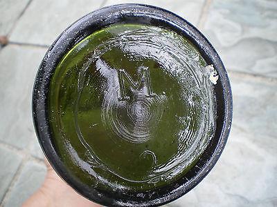 Alte grüne Glasflasche mit Bügelverschluss M 7