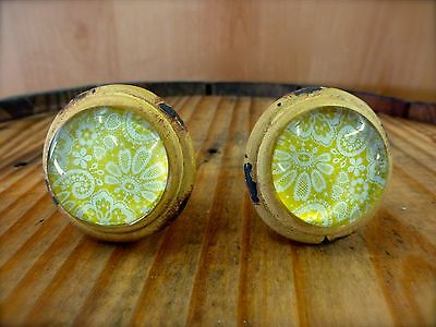 2 YELLOW-WHITE LACE GLASS DRAWER CABINET PULLS KNOBS VINTAGE DISTRESSED hardware 2