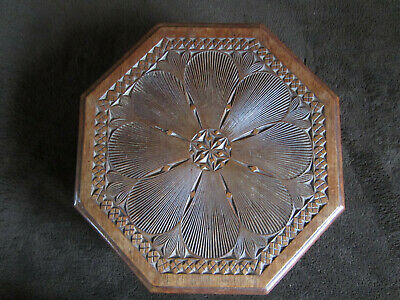 Carved Octagonal Box Friesian Arts & Crafts Folk Art Circa 1900 26cm Across 4