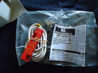 New Stl P/N 44507-0080 Magnetical Operated Safety Switch Made In Uk Ma6Apc2 3
