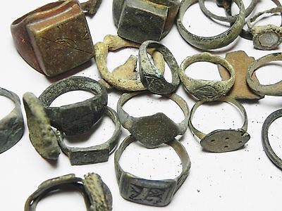 Zurqieh - Ancient Holy Land , Group Of 38 Ancient Bronze Rings 7