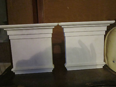 Pair Architectural element decorative molding Grand Tuscan keystones 2