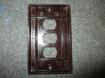 Vintage Bryant Despard System Bakelite Mcm Era Three Gang Switchplate Cover 2