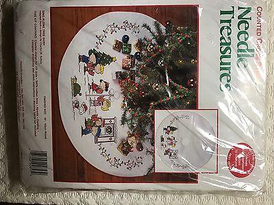 8 of 9 Peanuts Sing Along Cross Stitch Christmas Tree Skirt Kit Snoopy  Holidays OOP New - PEANUTS SING ALONG Cross Stitch Christmas Tree Skirt Kit Snoopy