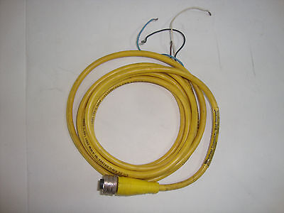Omron E3F-R2Z2 PhotoElectric Sensor Switch 200MA Max 24-240Vac 2M Cable NEW!