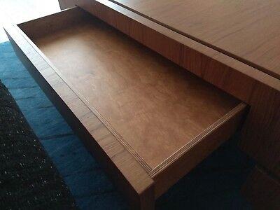 Tavolo Quadrato 120x120 Allungabile A Libro.Tavolo Quadrato Fatto Su Misura In Legno Massello Finitura Noce