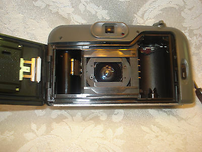 BELL HOWELL PZ2200 35mm FILM  POINT AND SHOOT CAMERA 35-70mm LENS/ LEATHER CASE 8