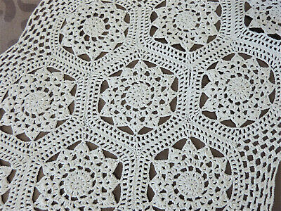 Lot de 2 grands napperons ovales anciens crochet faits main  2