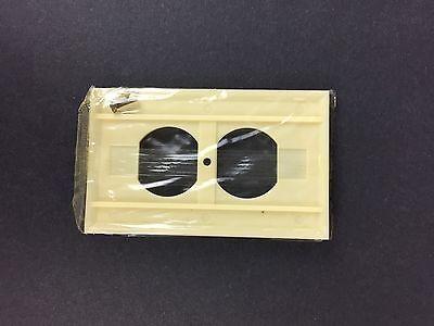 Vtg NOS Homart Outlet Cover Ivory Decorative 50s 60s Sears Framed Fine Ribbed 2