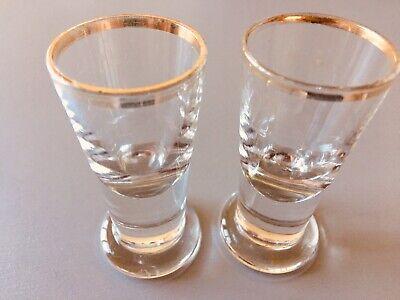 Altes Tablet mit 18 Gläsern (davon Ist 1 Glas Eigentlich Eine Vase) Ohne Tablett 3