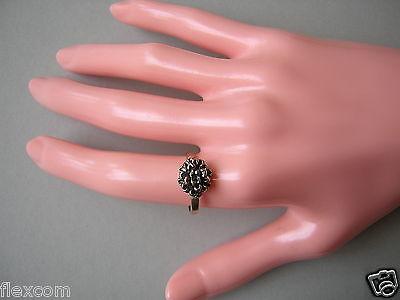 Versilberter Modeschmuck Ring mit Blume 2,2 g / Gr 53