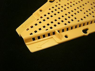2 X Beekeepers bee hive RHOMBUS BEE ESCAPES 3