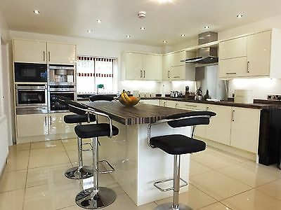 2020 - March 5 Star Luxury break in Pembrokeshire , 1 mile from the beach 2