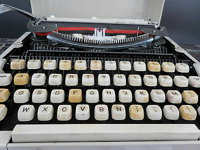machine à écrire Royal 200 made in Japan CURIOSITY by PN 7