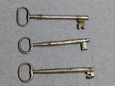 3 Antique Cast Iron Nickel Skeleton Jail House Door Gate Keys Key Vintage Old 4