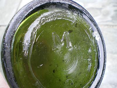 Alte grüne Glasflasche mit Bügelverschluss M 8