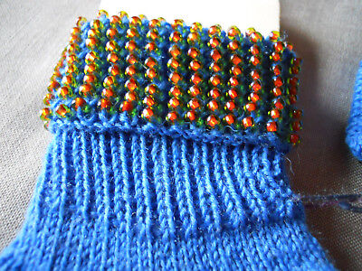 Handarbeit handmade Strümpfe Socken, Größe 30 - 32  Perlen Rocailles blau 2