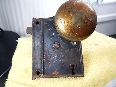 For parts or repair (Broken) Vintage Reco USA Lock Set w/ Metal knobs 9