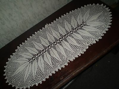 Beautiful-Vintage-Handmade-Cotton-Crochet-Light-Ecru-Tablecloth