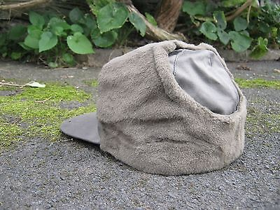 e908cae3579 ... Dutch Army Cold Weather Cap Trapper Hat Olive Green Fur lined Military  Surplus 3