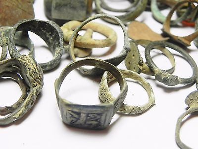 Zurqieh - Ancient Holy Land , Group Of 38 Ancient Bronze Rings 4