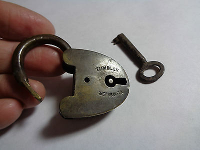 VINTAGE BRASS  TUMBLER LOCK AND KEY WORKING (ref8.2)