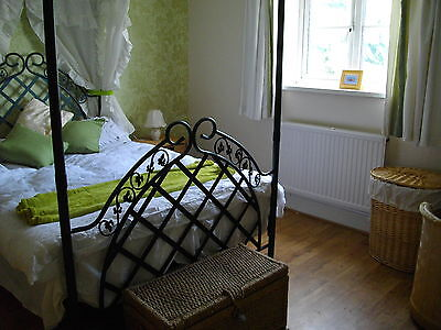 Norfolk Holiday cottage, sleeps 10, 4 bedrooms, 2 bathrooms wifi, dogs welcome 2