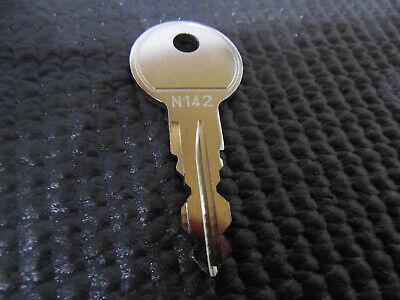 Thule Ersatzschlüssel Premium N142 für Dachträger Boxen Fahrradhalter Heckträger