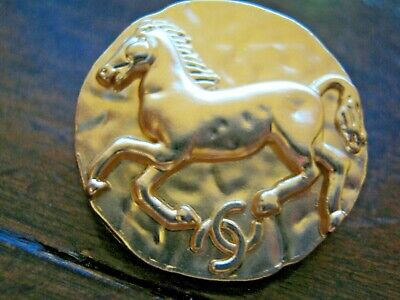 CHANEL 4 BUTTONS gold   25 mm , 1 inch metal with  cc logo HORSE 2