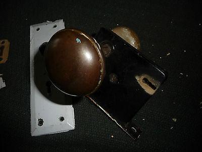 #56J antique vtg 1 metal door knob & 1 white porcelain w back plate & lock 5