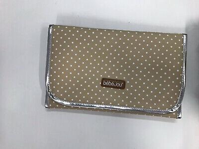 bebe-jou 310039 Wickeltasche in gepunktete Naturfarben und mit passender Wickelunterlage beige