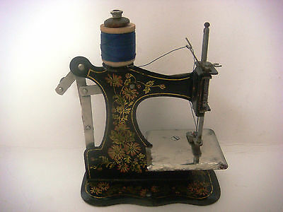 Antique Victorian Miniature Sewing Machine 3