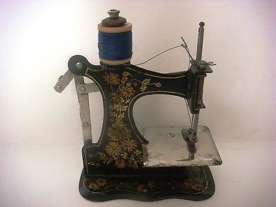 Antique Victorian Miniature Sewing Machine 3