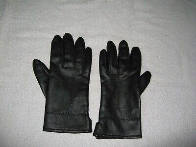 Pair Of Vintage Ladies Gloves Black With Warm Lining Nice Detail On Back 2