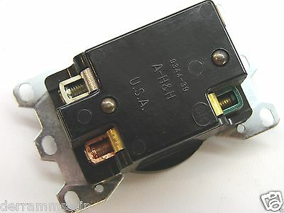 Arrow-Hart 5796 Vintage 2P/3W 277VAC 50A Spec Grade Receptacle 7-50R b58 3