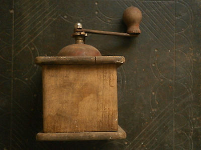 Old Rare Antique Wooden Crusher Grinder Mill 7