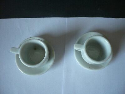 zwei alte Tassen und Untertassen für die Puppenstube aus Porzellan/Keramik 4