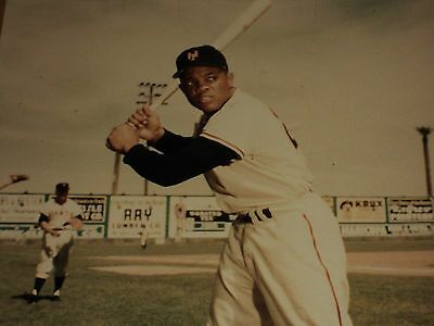 Vintage NY Giants Mets HOF Wille Mays Classic 70's Bat Pose Color Photo Image 2
