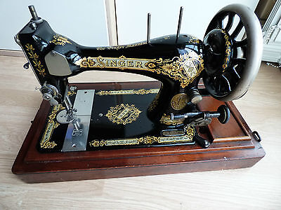 Beautiful Decals Singer Antique Sewing Machine à Coudre Hand Crank Mechanical 3