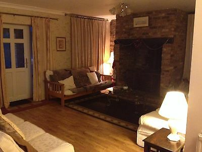 2 Night Break, big comfortable cottage sleeps 10, wifi, cH, 4 beds, dogs welcome 5