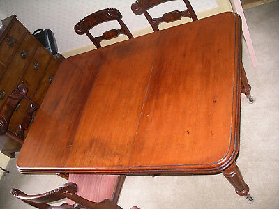 Victorian mahogany wind out dining table. Lovely patina 2