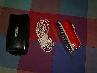 plancha electrica antigua roja y blanca marca GB con funda