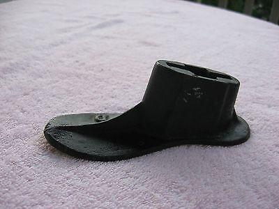 Antique/Vintage Shoe Cobbler Cast Iron  Shoemaker  # 4    D 2