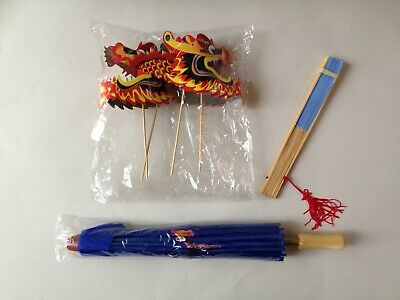 Traditional Chinese accessory set - blue parasol & fan and 2 concertina dragons 2