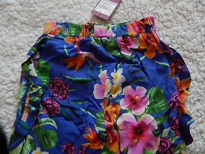 BNWT Girls Floral Trousers In Size 5 Years 3