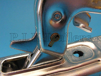 Anti-Theft Lock for Pressed Steel Coupling Hitch on Erde & Daxara Trailer 4